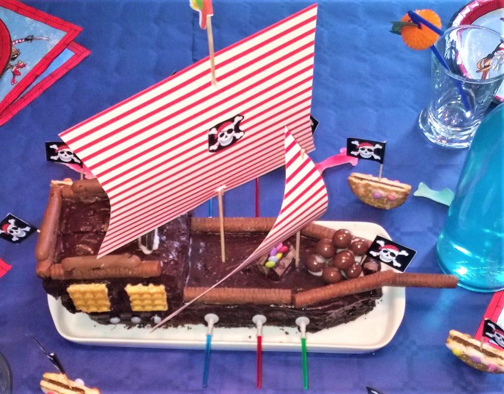 Piratenschiff-Kuchen